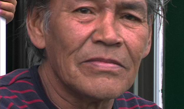 Jacques André, à Uashat, dans Aimer, finir, un film de Lucie Lambert